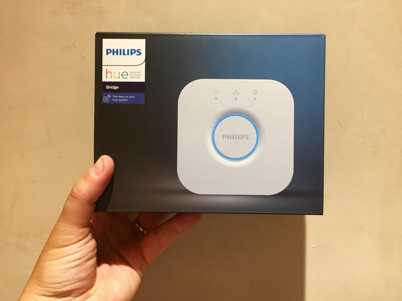 Philips Hue Bridge boxed